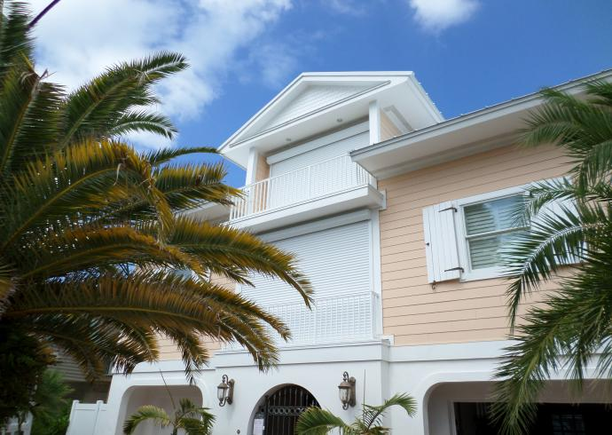 Hurricane Screens And Shutters Retractable Awnings